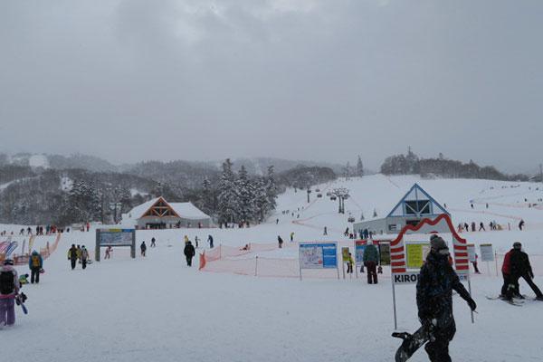 スキー場の観光客